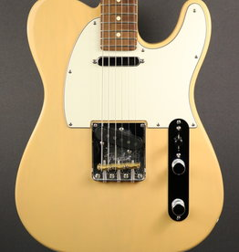 Fender USED Fender American Professional Telecaster (935)
