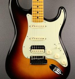 Fender DEMO Fender American Ultra Stratocaster HSS - Ultraburst (878)