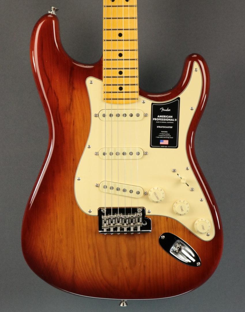 Fender NEW Fender American Professional II Stratocaster - Sienna Sunburst (839)