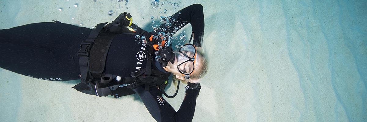 plongeuse sous-marin relax