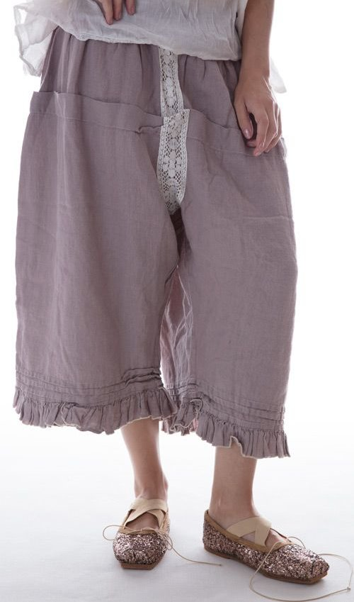 Linen Bloomer with Pleats, Lace, Ruffle and Backtie in Antique Lavender