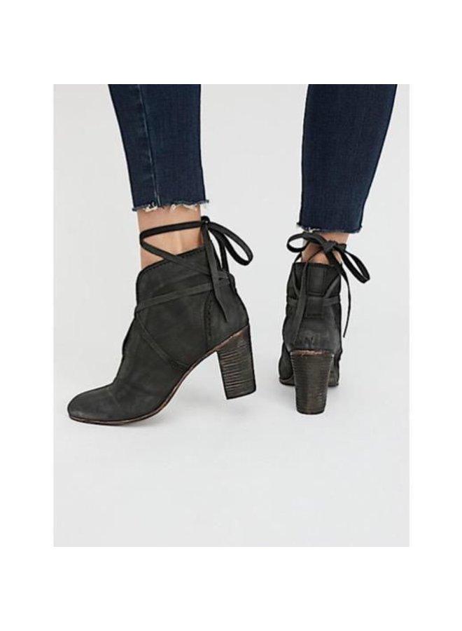 Wrap Around Heel Boot