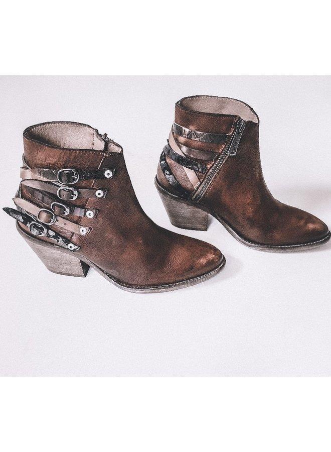 Corrina Boot