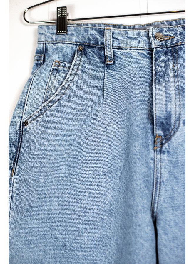 Laura Pleated Jean