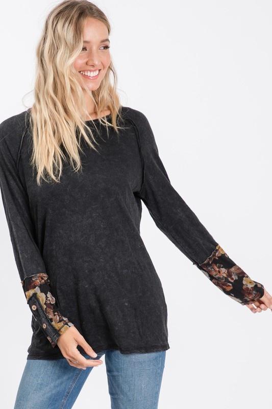 Black/Floral Sleeve Top