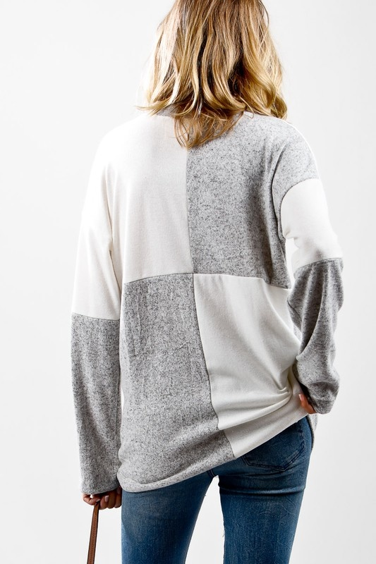Grey/Ivory Checkered Knit Top