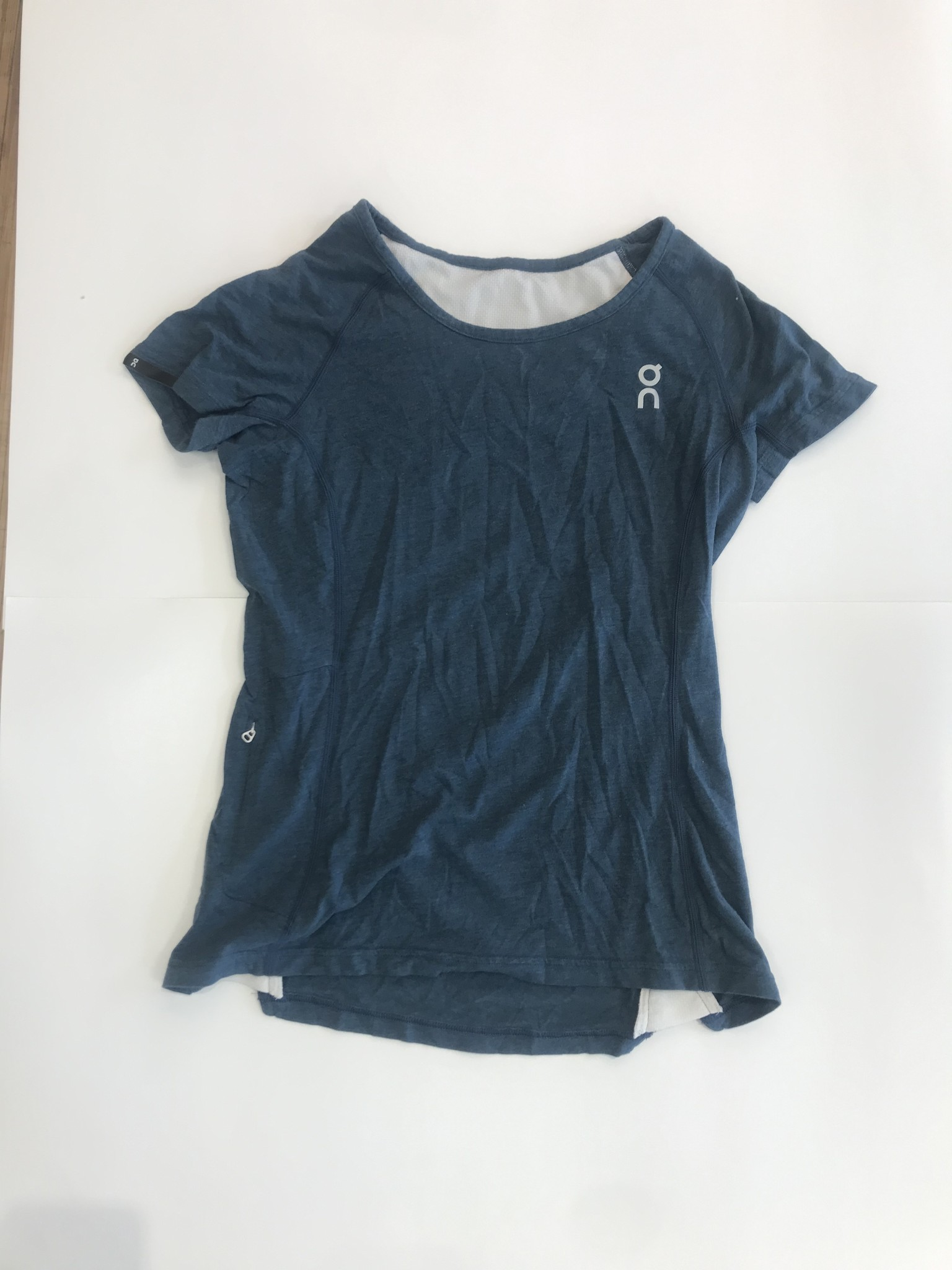 RESALE - Womens On Comfort Tee (small)
