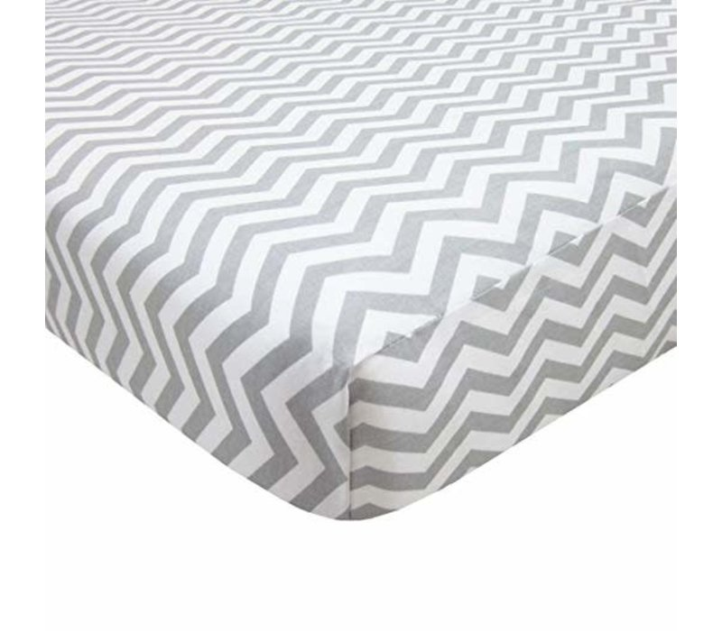 American Baby Knit Porta Crib Sheet In Grey-Zigzag