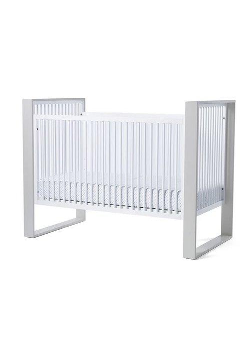 Duc Duc Duc Duc Austin Crib In White/Light Gray