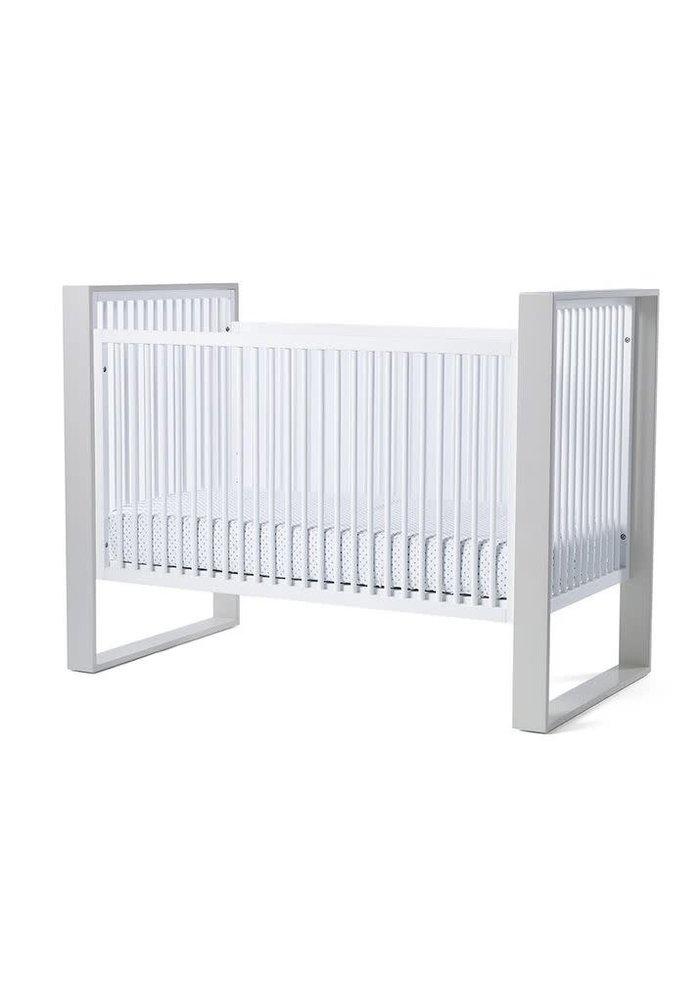 Duc Duc Austin Crib In White/Light Gray