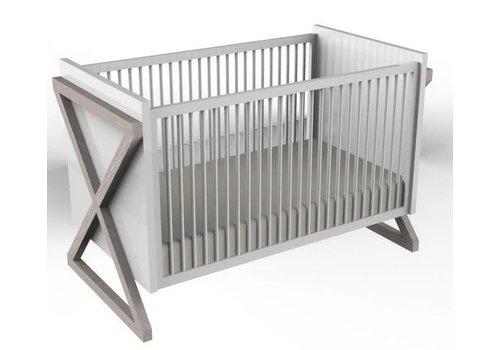 Duc Duc Duc Duc Campaign Crib In Solid Color Claze Silver On Oak