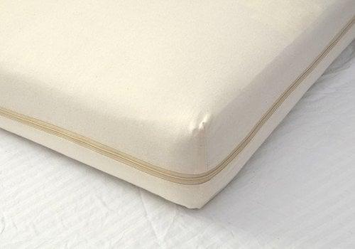 Moonlight Slumber Moonlight Slumber All-In-One Organic Cotton Crib Mattress Coverlet
