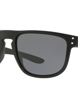 Eyewear Holbrook R Frame color: Matte Black, Lens color: Gray, Fit: Standard