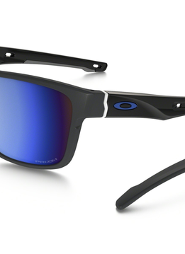 Eyewear Oakley Crossrange Polished Black Frame, Lens Grey