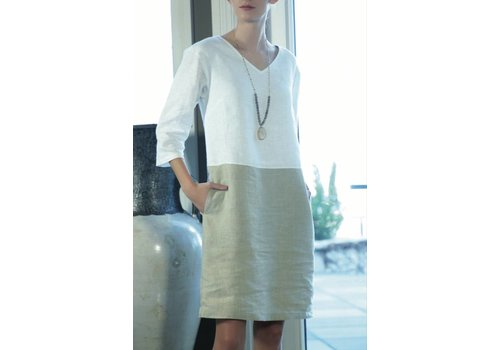 Ava Dress V-neck 3/4 Sleeve