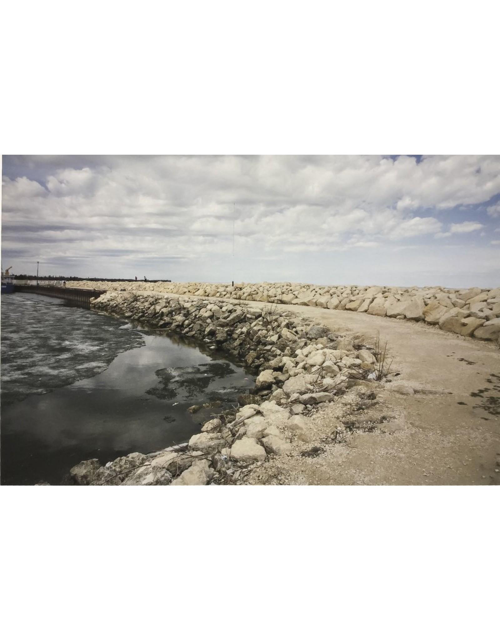 Pura, William Gimli Breakwater