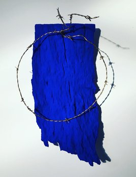 Thomas Bucich - Halo - Bark, Pigment, Barbed Wire - 44H x 30W