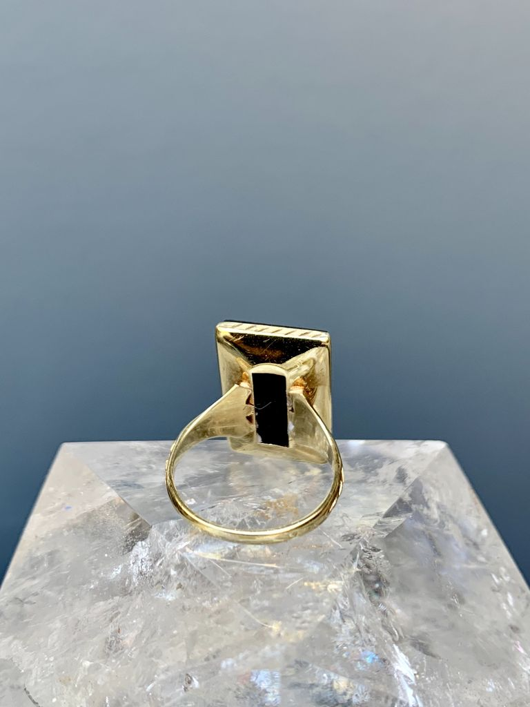 Chris Enebo Vintage Antique Onyx Plaque Ring - 14ct Yellow Gold with Engraved Edge Detail
