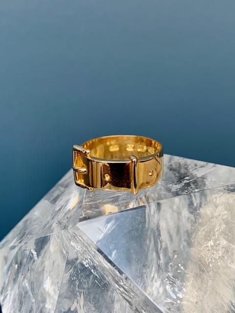 B.M.V.A. Antique Victorian Belt Buckle Ring - Yellow Gold - Rectangular Edge Buckle - c1890