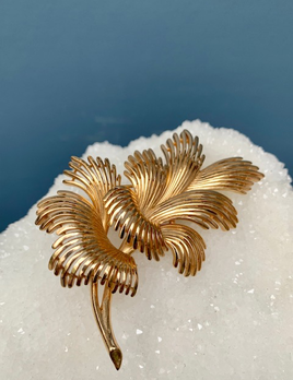 BECKER MINTY Vintage Gold Toned Trifari Brooch - Branch c1960