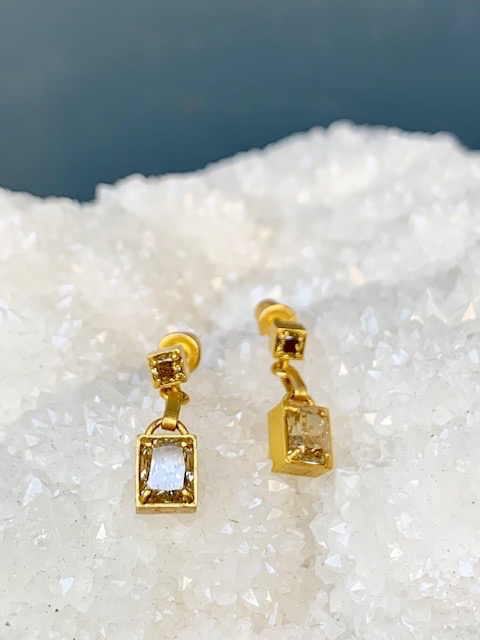 Lisa Black Jewellery - Apsara Champagne Diamond Drop Earrings - Champagne Colour Emerald Cut Drop (about 1ct each) with Rare Australian Green Diamond on Post - 22ct Gold - Handmade in Australia