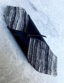 B.Home Interiors Rabitti - Cannolo Napkin Holder - Black Saddle Leather - 10x19x10cm