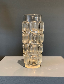 B.M.V.A. Vintage Retro Bohemian Sklo Union 3236 glass vase, designed by Frantisek Vizner. Excellent Condition. H22cm. D9cm - c1968