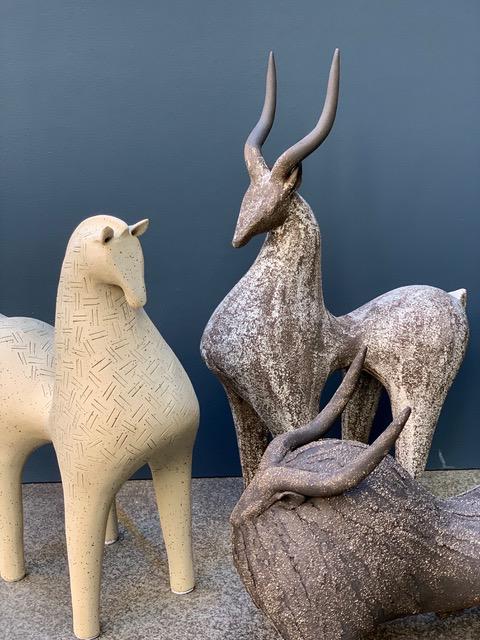 Athena Jahantigh Large Horse - Matte Cream Ceramic with Textured Finish - Athena Jahantigh Animal Scultpure - France - Approx H41xL47cm