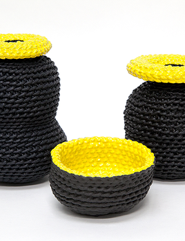 2 by lyn and tony GRAPHICA - Medium Ceramic Dipped Woven Cotton Handpainted Vessel by 2 by Lyn&Tony - Black and Yellow - 10cm