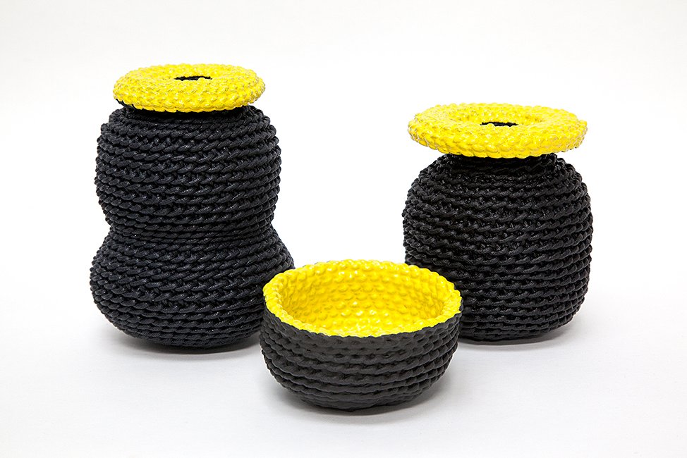 2 by lyn and tony GRAPHICA - Large Ceramic Dipped Woven Cotton Handpainted Vessel by 2 by Lyn&Tony - Black and Yellow - 12cm