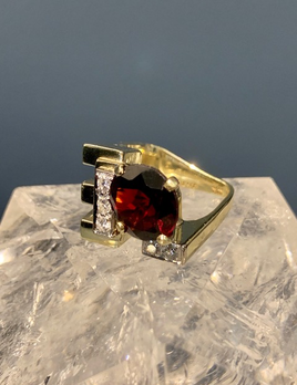 B.M.V.A. Vintage 14ct Yellow Gold, Red Almadine Garnet and Diamond Dress Ring - Garnet 1=5.7ct (approx), Diamonds 5=0.3ct Total (approx) G-J/SI