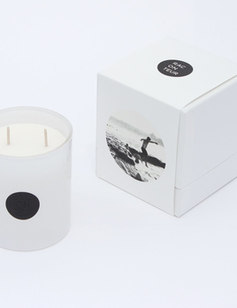Raconteur RACONTEUR - Bondi 3 - Handpoured in Sydney using 100% soy wax. Free of paraffins, parabens, phthalates and lead.