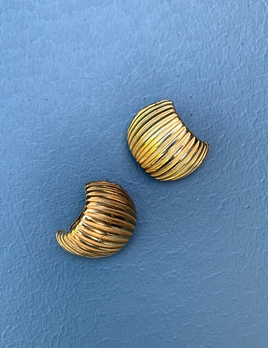 BECKER MINTY Vintage Gold Toned Ribbed Clip On Earrings - USA