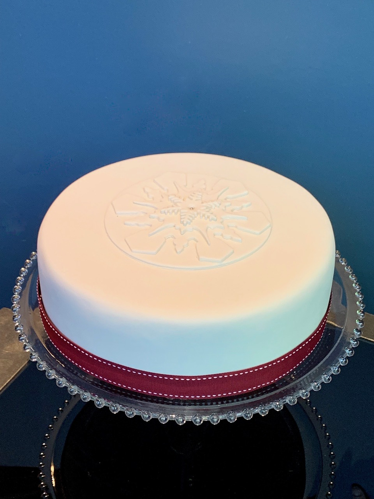 Christmas Cake 2019 10 Delicious And Moist Fruit Cake Iced With Decoration Contains Nuts Store Pick Up Only Please Call Us On 02 8356 9999