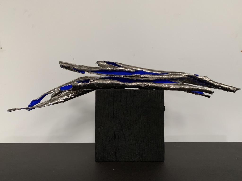 Thomas Bucich - Relic Bundle on Block Nickel electroplated bark, pigment, wood base 18 x 54 x 24 cm
