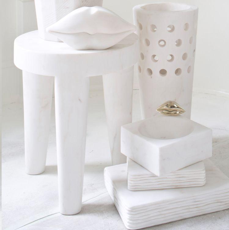 Kelly Wearstler Kelly Wearstler - Large Tribute Stool - White calacatta marble<br />- 38x46cm