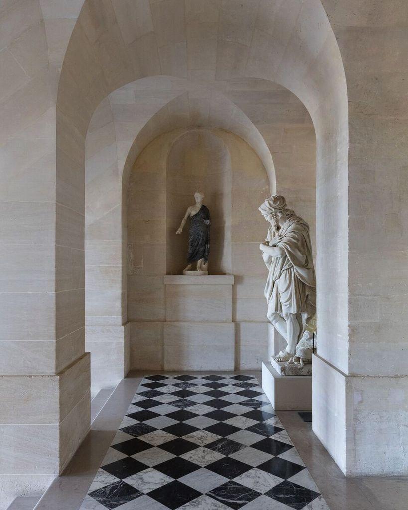 Felix Forest Photograph - (V9) Chateau de Versailles IX, 2015