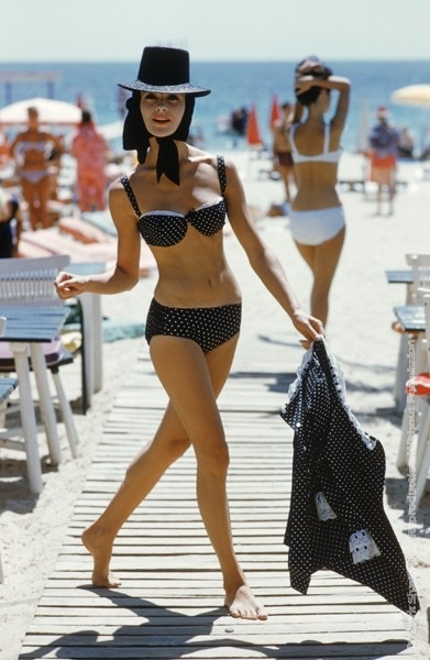 Mark Shaw Photography - Black Bikini Black Hat on St. Tropez Boardwalk 1961