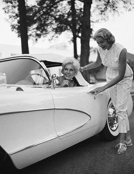 Kim Novak in her new Corvette 1956 - Sid Avery