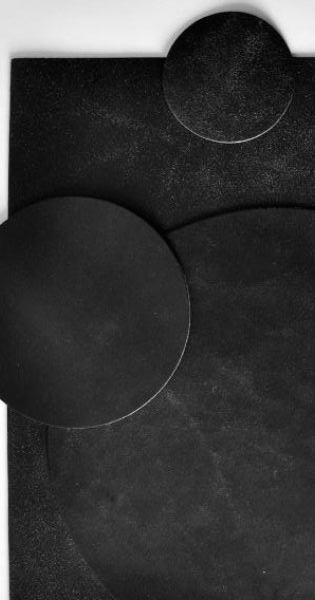 Michael Verheyden Michael Verheyden - Placemat - Black Fokker Leather Round Placemat - 40cm diameter - Belgium