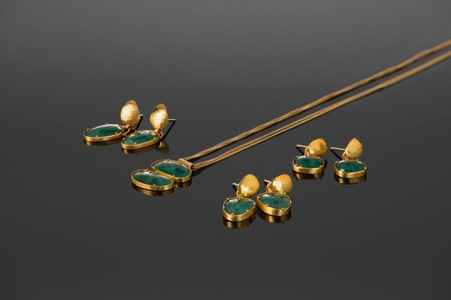 Lisa Black Jewellery - Emerald Jayne Earrings - Facetted Pear Shaped Emerald with Hammered 22ct Gold - Handmade in Australia