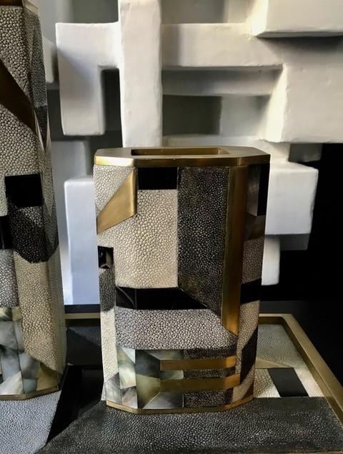 KIFU KIFU Paris - Bullion Vase in Shagreen and Black Shell H:20cm - Medium
