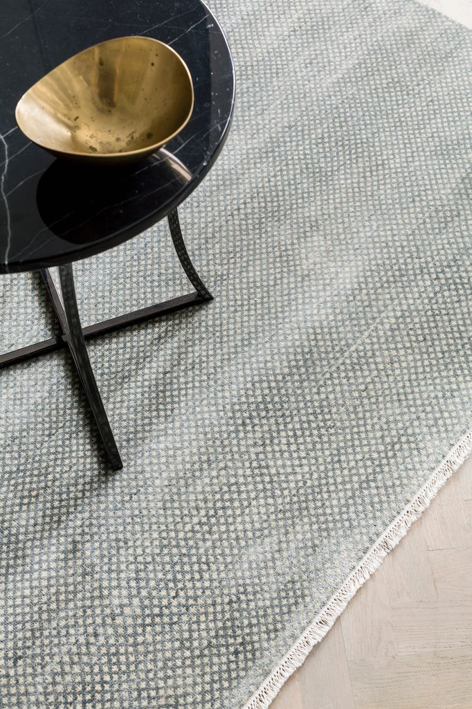 Armadillo & Co - LEILA - Persian Knot Rug - Heirloom Collection - Wool - Opal & Ivory - 2.4x3m - Handmade in India Under Fair Trade Standards