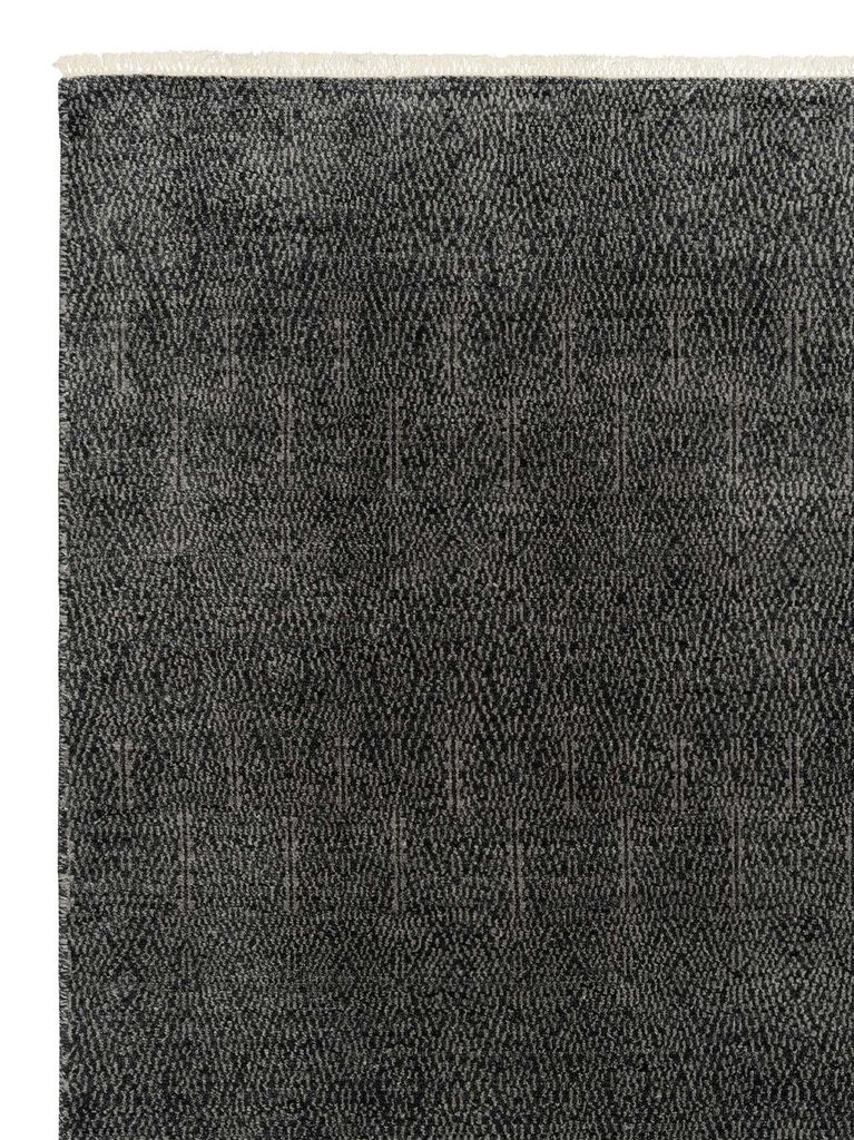 Armadillo & Co - PARAGON - Heirloom Collection - Wool - Flint - 3x4.2m - Handmade in India Under Fair Trade Standards