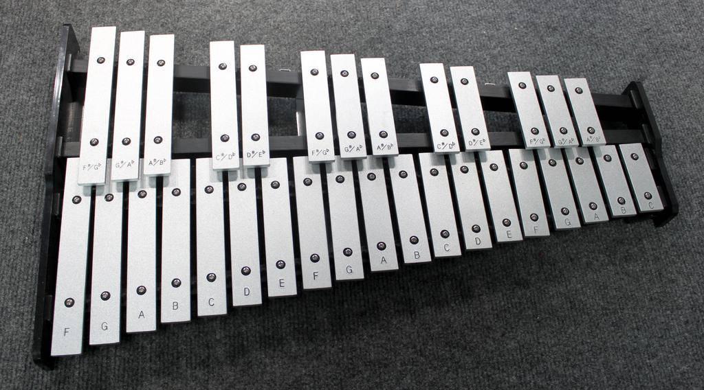 Ludwig Used Ludwig Drum Pad/Bell Kit