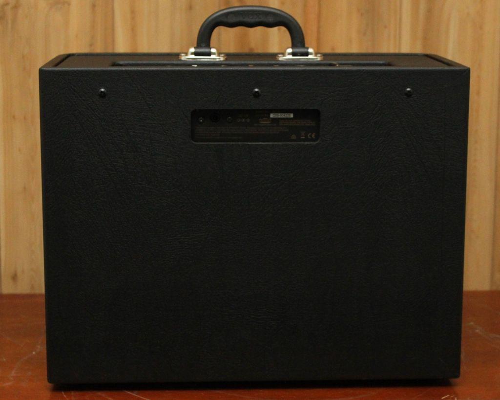 Vox Vox AV 15W ANALOG MODELING AMP