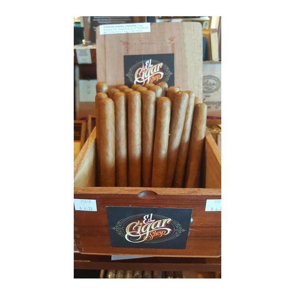 Yaxel Cigars El Cigar's Toro Connecticut Bundle of 25