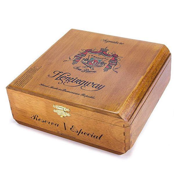 JC Newman/ Fuente Arturo Fuente Gran Reserva Hemingway Signature Natural Box of 25