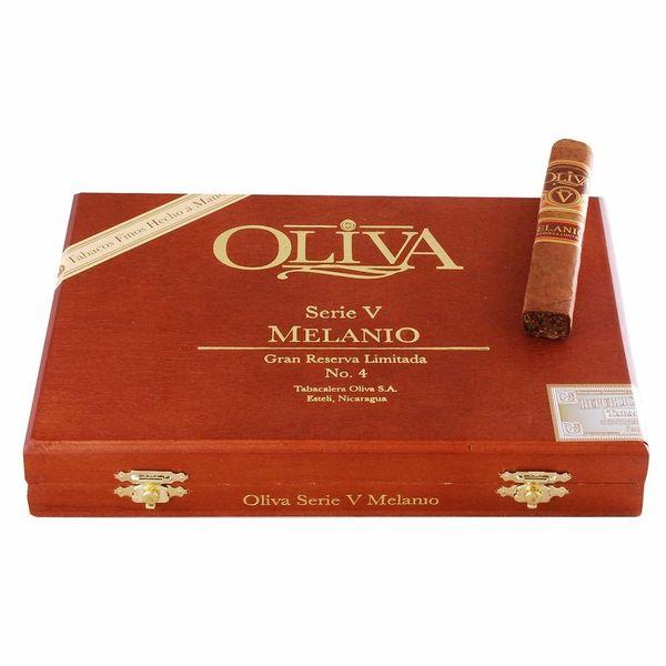 Oliva Oliva Serie V Melanio No.4 Box of 10