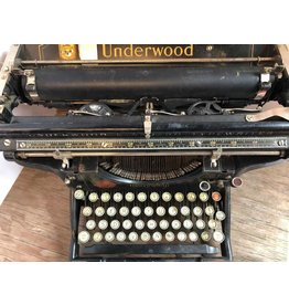 1909 Underwood typewriter